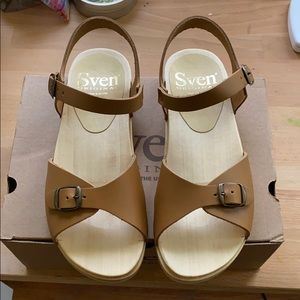 Sven tan leather clog size 37 (6.5-7)